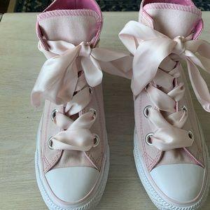 Light Pink Converse - Big Eyelet - Ribbon Laces
